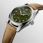 Longines Spirit Grün mit braunem Armband schräge Ansicht